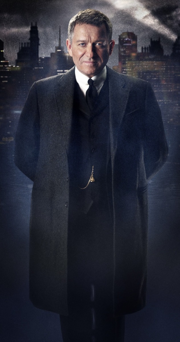 "Alfred Pennyworth Revealed in Latest ""Gotham"" Official Image"