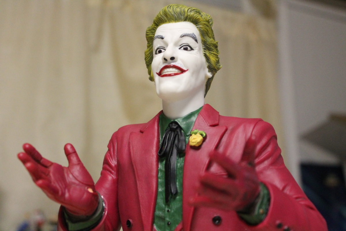 Batman Classic TV Series Joker Vinyl Bust Bank Review