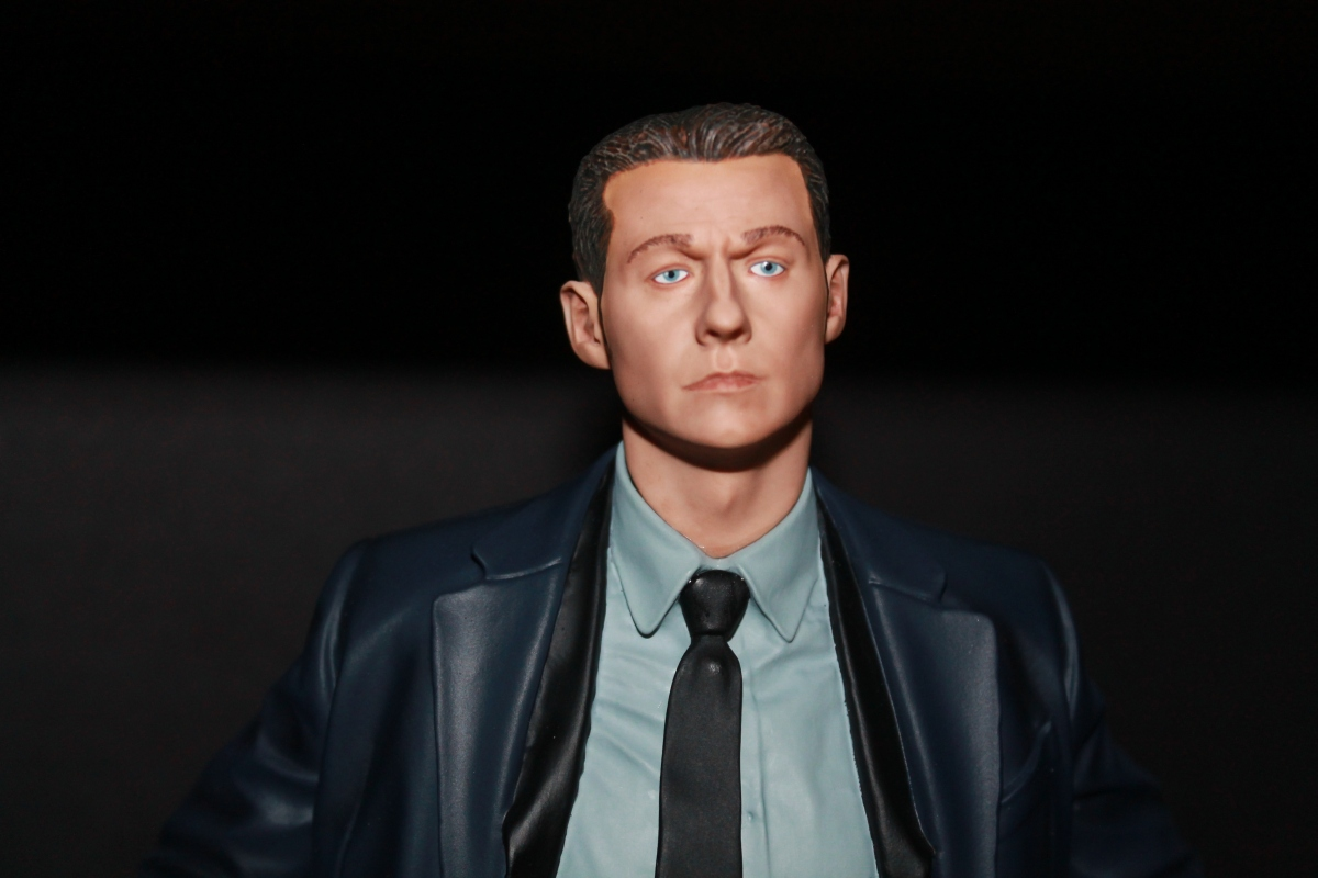 "Celebrate the Return of ""Gotham"" With DC Collectibles' James Gordon Statue!"